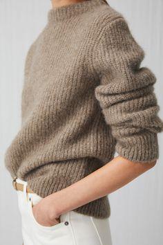 Crew-Neck Fisherman Jumper - Beige Melange - Knitwear - ARKET IE Source by eefjevdam Jumper Outfit, Sweater Outfits, Cute Outfits, Sweater Dresses, Knit Sweater Dress, Wool Cardigan, Grunge Look, 90s Grunge, Look Fashion