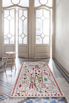 Jaime Hayon crea dibujos surrealistas para alfombras del 30 aniversario de Nanimarquina