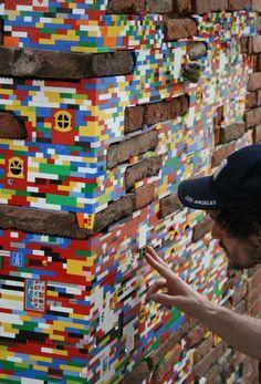 Intervenção urbana: Dispactchwork por Jan Vormann - Restauração de edifícios com Legos