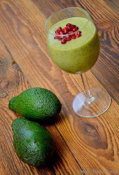 Moja Mama Gotuje...i bloguje.: Zielony koktajl z awokado Easy Smoothies, Smoothie Drinks, Weight Loss Smoothies, Fruit Smoothies, Smoothie Recipes, Raw Vegan Recipes, Healthy Diet Recipes, Fruits And Veggies, Food And Drink