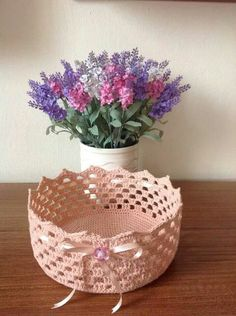The most beautiful Crochet basket and straw models Basket Weaving Patterns, Crochet Basket Pattern, Crochet Flower Patterns, Crochet Gifts, Diy Crochet, Crochet Doilies, Crochet Decoration, Decoration Table, Handmade