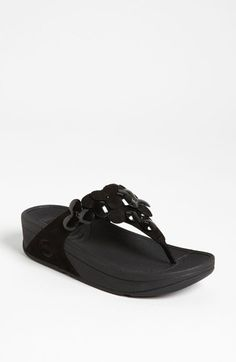 Has anyone tried fitflops?  My friend has them and says that they are THE most comfortable shoe ever!!