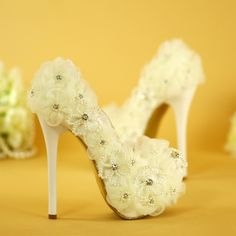 (65.00$)  Watch now  - Lace flower pearl wedding shoes White high-heeled shoes with waterproof platform bridal wedding shoes