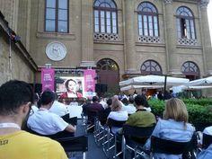 Sherbeth è anche convegni e momenti di confronto! Ogni giorno al Caffè del Teatro Massimo