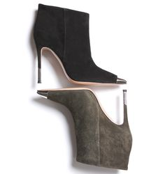 Gianvito Rossi pour Mytheresa http://www.vogue.fr/mode/news-mode/diaporama/gianvito-rossi-pour-mytheresa/14819#!2