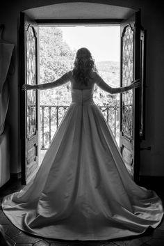 KENYA Semirrecogido de novia con trenzas Masía Torreblanca, Sitges Eva Pellejero Sitges, Wedding Ideas, Wedding Dresses, Daytime Wedding, Cornrows, Brides, Bride Dresses, Bridal Gowns
