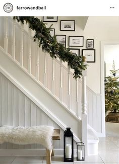 Two days 'til Christmas! We adore this all white look featuring and by ✨ All White Farrow And Ball, Ammonite Farrow And Ball, Cottage Hallway, Hallway Paint Colors, Paint Colours, Farrow And Ball Living Room, Wimborne White, White Hallway, Painted Staircases