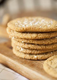 Kanelbullekakor, sega småkakor med kanelbullesmak Healthy Recepies, Fika, Something Sweet, Cookie Recipes, Sweets, Cookies, Desserts, Bakeries, Sweet Stuff