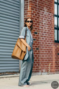 New york fashion 297589487881665353 - Source by poinsoni Street Looks, Street Outfit, Weekend Outfit, Spring Trends, Street Chic, New York Fashion, Leather Fashion, Streetwear Fashion, Fashion Photo