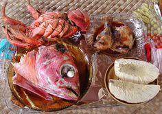 Samoan food snapper or mu Fiji Food, Samoan Food, Around The World Food, Polynesian Food, Good Food, Yummy Food, Island Food, Food Tasting, Delish