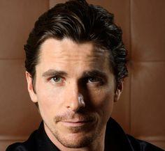 Building Batman - Christian Bale Workout Routine  - http://celebie.com/building-batman-christian-bale-workout-routine/
