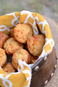 Pimento Cheese Muffins from @Delta_Mag! These look fabulous! Can't wait to try,
