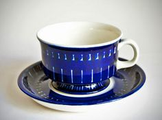 A Love for Pottery & Ceramics Coffee Cups, Tea Cups, Cobalt Glass, Pottery Designs, Blue China, Glass Ceramic, Vintage Textiles, Scandinavian Design, Cup And Saucer
