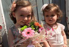 Szabó Lőrinc: Ima a gyermekekért - Virágot egy mosolyért Girls Dresses, Flower Girl Dresses, Wedding Dresses, Face, Flowers, Dresses Of Girls, Bride Dresses, Bridal Gowns