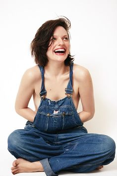"""The Fappening Sexy photos of Elisabeth Moss. Elisabeth Moss is a 34 year old American actress of theater, film and television, winner of the award """"Golden Mad Men, Photo Ed, Elizabeth Moss, Rose Tattoos For Women, Salopette Jeans, New York Photographers, Cute Rose, Communication Art, Poses"""
