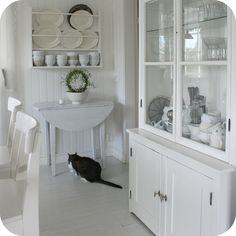 I'd love to paint the kitchen all white!