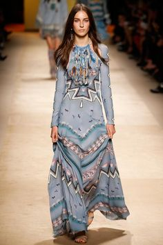 cut out detail.  Etro Spring 2015 Ready-to-Wear - Collection - Gallery - Look 1 - Style.com