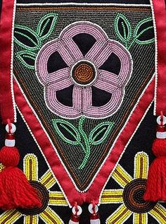 Images Indian Beadwork, Native Beadwork, Native American Beadwork, Native American Indians, Cherokee Indians, Contemporary Decorative Art, Seed Bead Crafts, Naive Art, Bead Art