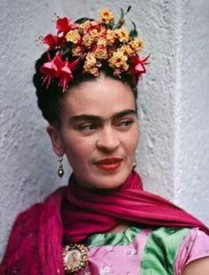 Coronas inspiradas en Frida Kahlo