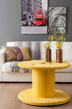 Looking for a cheap and creative DIY furniture ideas?Take a look and be inspired with cable spool furniture ideas that we prepared for you! Pallet Furniture, Furniture Making, Furniture Ideas, Wooden Cable Spools, Spool Tables, Wooden Diy, Sweet Home, Room Decor, Interior