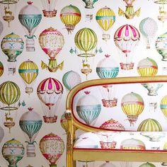"""""""Один из любимых дизайнов L'Envol (полёт). Эти обои и ткани, с деликатно подобранными и проработанными воздушными шарами, имеют изысканную палитру цветовых…"""""""