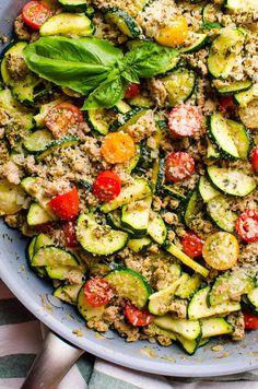 Healthy Turkey Recipes, Healthy Family Meals, Family Recipes, Healthy Food, Zucchini Dinner Recipes, Healthy Zucchini, Healthy Ground Chicken Recipes, Minced Turkey Recipes, Zucchini Pesto