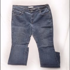 Medium Wash Boot Cut Jeans Worn | Good Condition | Medium Wash | Small Stain on Front ; Might Come Out | Boot Cut Edition | 515 Version | Belt Loops | 5 Pockets | 99% Cotton | 1% Spandex |🚫 Trades | Feel Free to Ask Questions 🙋| More 📷 Upon Request | Bundles & Offers are Welcomed ❤️| Levi's Jeans Boot Cut