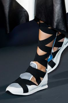 112 details photos of Vionnet at Paris Fashion Week Spring 2015.
