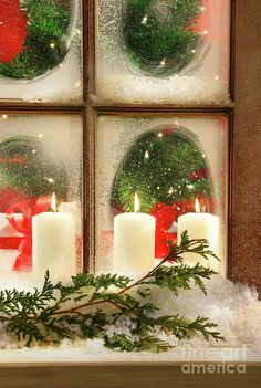 Frosted windows, fun decorating idea for the holidays!