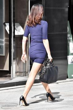 Short Skirts, Short Dresses, Mini Skirts, Executive Woman, Sexy Legs And Heels, Mode Chic, Shorts With Tights, Classy Casual, Professional Women
