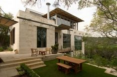 Mell Lawrence Architects designed the Watersmark 35 house in Austin, Texas.