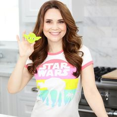 Ro with her Peppermint Shortbread Yoda Cookies Rosanna Pansino Nerdy Nummies, Star Wars Food, Cute Youtubers, Divas, Star Wars Images, Father's Day Diy, Best Dad, American Actress, Peppermint