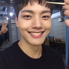 The beautifulest smile Dramas, Jin Goo, Sad Movies, Handsome Korean Actors, Child Actors, Kdrama Actors, Ji Chang Wook, Korean Artist, Korean Celebrities