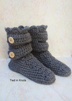 Crochet chaussons bottes  femmes Crochet par TiedinKnotsCrochet