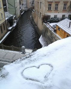 Zasnezena Praha #prague #snow #love