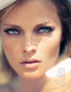 beautiful plain/natural makeup on sunkissed with the blue eyes of Olga Maliouk by Marian Sell for Deutsch #44