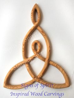 Mother and Child Knot -Wood Carved Celtic Knot of Mothers Love-Nurturing Mother Art-Symbol of Mother Daughter-Mother and Son-New Mother Gift Mother Art, Mother And Child, Mother Daughter Celtic Knot, Mother Daughters, Kreis Logo, Celtic Love Knot, Celtic Knots, Celtic Heart, Symbole Protection