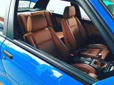 here's a follow up pic of the #e30m3 I posted yesterday. this interior followed suit of how nice the engine set up/bay is.  #bmwunion #m3 #bmwnation #bmwgram #bmw #e30 #interior #recaro #bmwmotorsport #ltw #widebody #n54 #santoriniblue M3 Cabrio, Golf Mk1, Bmw Interior, Interior Design, Bmw 525, Bmw E30 M3, E46 M3, Bmw Motorsport, Bmw Classic Cars