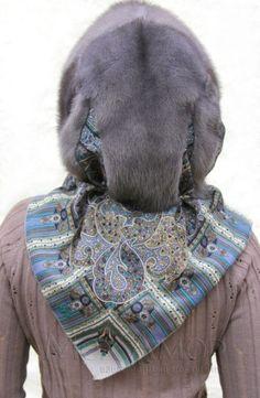 Купить Капор меховой Консуэлло из норки и павловопосадского платка: цена в Москве и области Retro Baby, Retro Vintage, Fur Fashion, Womens Fashion, Scarf Design, Fascinator Hats, Fur Collars, Fur Coat, Winter Hats