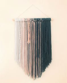 Yarn Wall Art, Yarn Wall Hanging, Tapestry Wall Hanging, Diy Wall Art, Wall Decor, Fabric Wall Hangings, Macrame Wall Hanging Patterns, Macrame Patterns, Macrame Wall Hangings