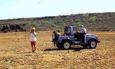 Curacao met Jeep op Vlakte van Hato 1990 Willemstad, Jeep, Antique Cars, Trail, Van, Outdoor, Vintage Cars, Outdoors, Vans