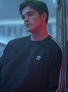"Jacob Elordi had a dramatic, Emmy-worthy performance in last night's ""Euphoria"" finale that has ""Kissing Booth"" fans gushing. Joey King, Liam Hemsworth, Leonardo Dicaprio, Beautiful Boys, Pretty Boys, Beautiful People, Cute Celebrities, Celebs, Jared Leto"