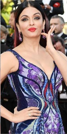 Aishwarya Rai Bachan hot image gallery at Cannes film festival in butterfly dress Aishwarya Rai Cannes, Aishwarya Rai Photo, Actress Aishwarya Rai, Aishwarya Rai Bachchan, Beautiful Bollywood Actress, Most Beautiful Indian Actress, Beautiful Actresses, Hot Actresses, Indian Actresses