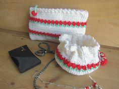 Trousse à maquillage et petit sac à bijoux. : Trousses par les-aiguilles-de-svetlana