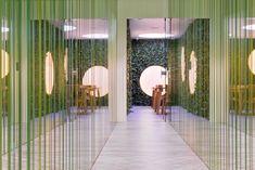 Maurice Mentjens crea un alucinante interior en el coffee shop Skunk & Relax