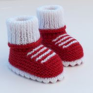 Hand Knitted Baby Booties-Shoes – Knitting world Baby Knitting Patterns, Baby Booties Knitting Pattern, Knit Baby Booties, Knit Boots, Booties Crochet, Crochet Shoes, Hand Knitting, Knitting Basics, Baby Bootees