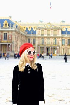 La bloggeuse Teddy French porte notre robe velours hiver 2014-2015! #tarajarmon #winterlook