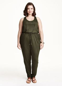 7 Spring Trends Every Curvy Girl Should Know #refinery29  http://www.refinery29.com/plus-size-spring-trends-2015#slide-10