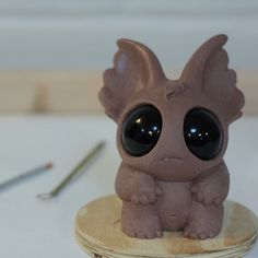 New critter sculpt in progress using Monster Clay. Polymer Clay Figures, Polymer Clay Animals, Fimo Clay, Polymer Clay Projects, Polymer Clay Art, Ceramic Monsters, Clay Monsters, Arte 8 Bits, Clay Dragon