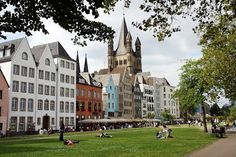 Kölner Altstadt und Rheinpromenade